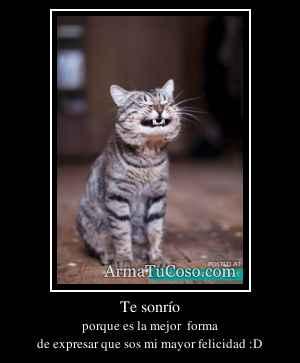 Te sonrío
